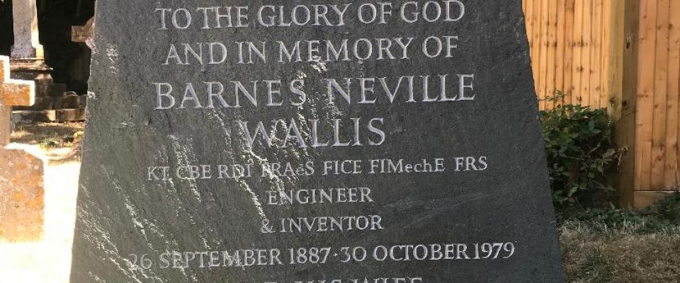 Barnes Wallis Grave Effingham Lettering
